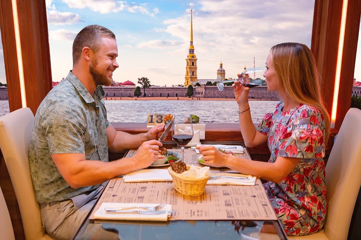 Dinner cruise from Rumyantsevsky pier